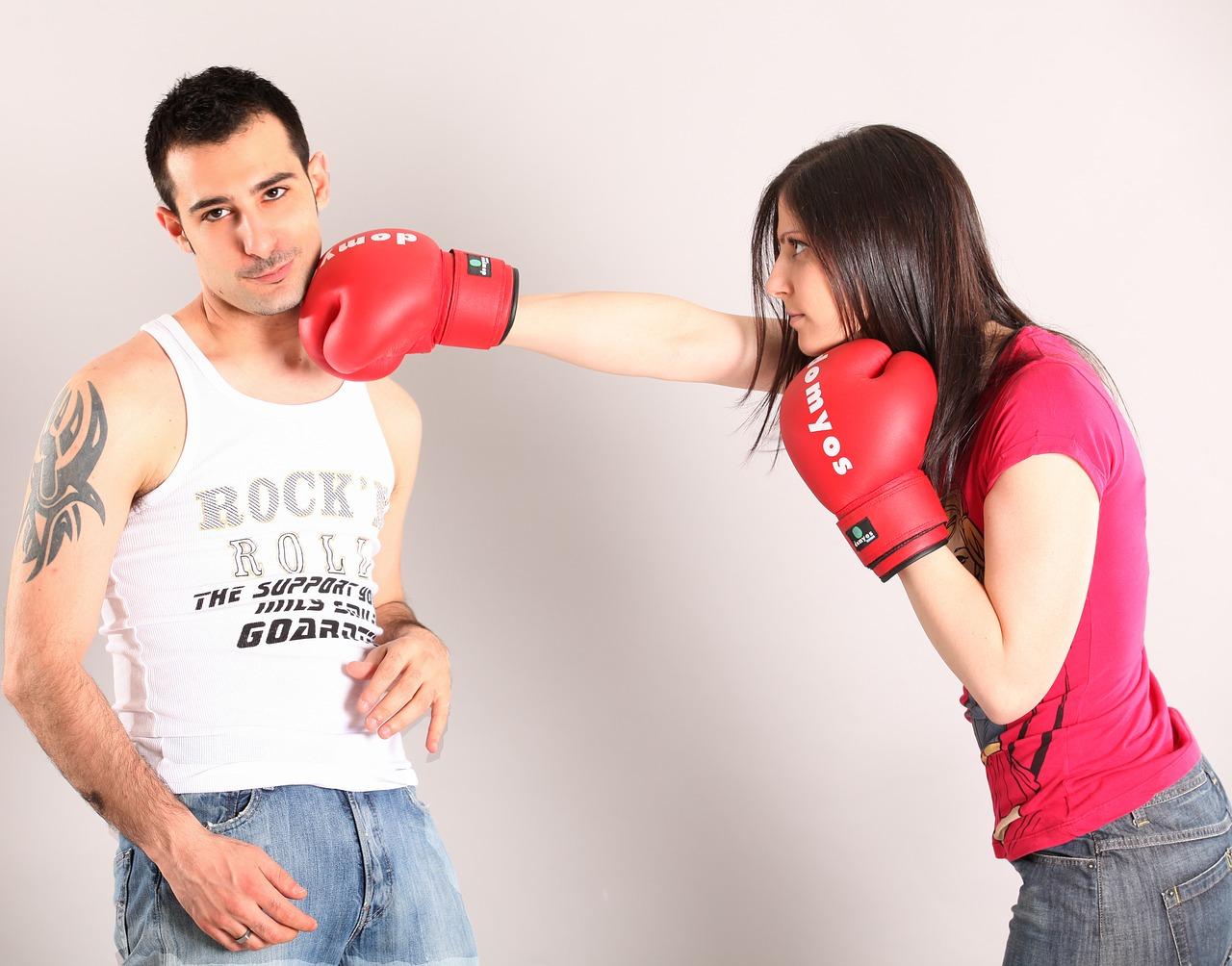 キックボクシングはムシャクシャ解消にはとっても最適。どのように最適か解説!