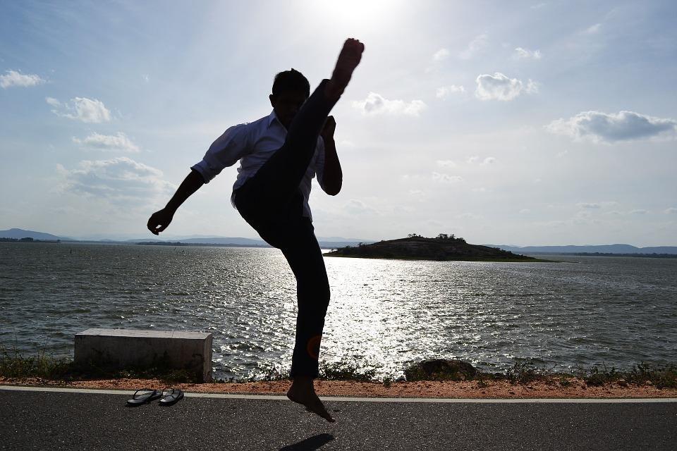 武術にある蹴りの練習をすると意外な効果がある!